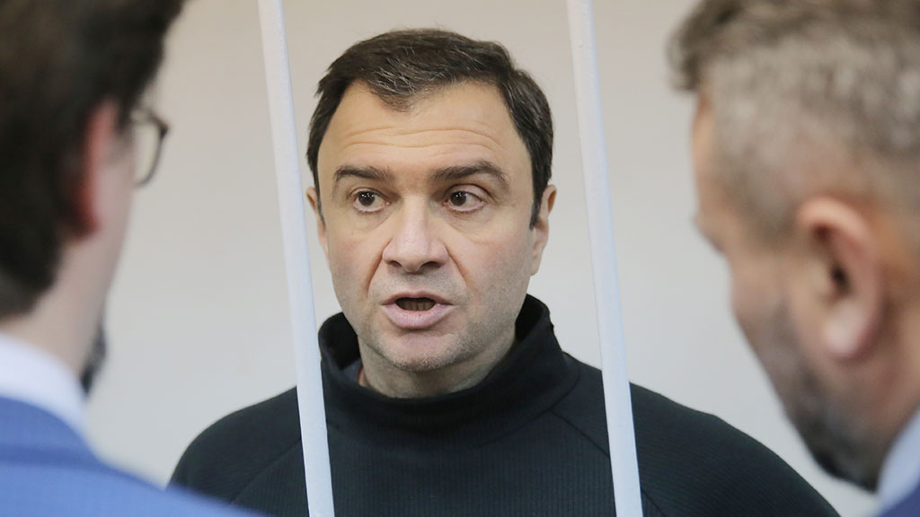Экс-замминистра культуры РФ признали виновным в хищениях и освободили
