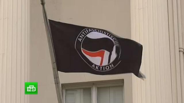 Захватившие лондонский особняк российского олигарха анархисты выдвинули условие.Великобритания, жилье, миллионеры и миллиардеры.НТВ.Ru: новости, видео, программы телеканала НТВ