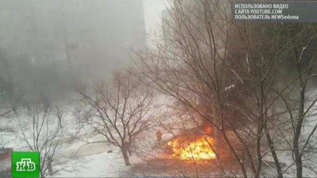 При взрыве автомобиля вЛуганске погибли два человека.ЛНР, Луганск, Украина, взрывы.НТВ.Ru: новости, видео, программы телеканала НТВ