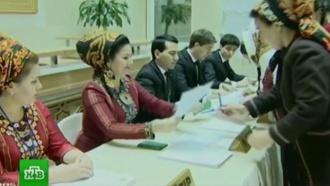 Путин поздравил Бердымухамедова спобедой на выборах президента Туркмении