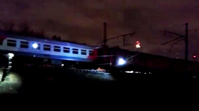 МЧС: на западе Москвы столкнулись пассажирский поезд и электричка.МЧС, Москва, железные дороги, поезда.НТВ.Ru: новости, видео, программы телеканала НТВ
