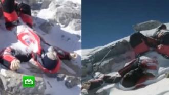 Российские альпинисты отправятся на Эверест почтить память погибших при подъеме