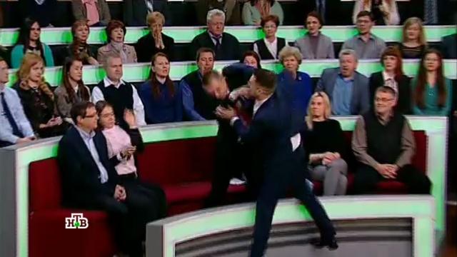 «Ваши деды— красные фашисты»: польский журналист спровоцировал драку встудии НТВ.НТВ, драки и избиения, телевидение.НТВ.Ru: новости, видео, программы телеканала НТВ