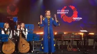Жена Порошенко рассмешила соцсети «пьяным английским» на открытии «Евровидения»
