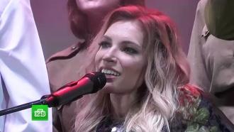 Певица Самойлова выступила на концерте в Севастополе в День Победы
