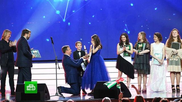 После награждения победительница «Ты супер!» разрыдалась от счастья.НТВ.Ru: новости, видео, программы телеканала НТВ