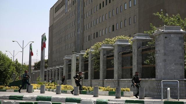 Жертвами двойного теракта вИране стали 16человек.Иран, взрывы, стрельба, терроризм.НТВ.Ru: новости, видео, программы телеканала НТВ