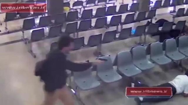 Появилось видео атаки боевиков на парламент Ирана.Иран, взрывы, стрельба, терроризм.НТВ.Ru: новости, видео, программы телеканала НТВ