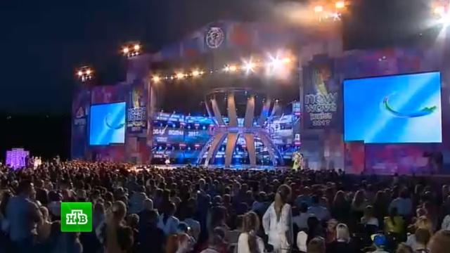 «Детская Новая волна» накрыла «Артек»: юные исполнители вышли на сцену вместе со звездами.дети и подростки, знаменитости, Крым, музыка и музыканты, Ты супер, фестивали и конкурсы, шоу-бизнес.НТВ.Ru: новости, видео, программы телеканала НТВ