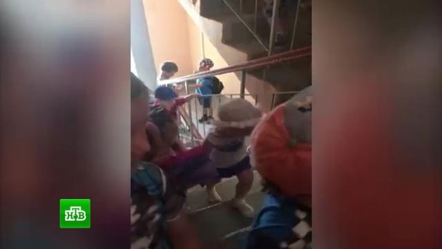 Жильцы хабаровской высотки перекрыли детсадовцам с верхнего этажа доступ к лифту.дети и подростки, детские сады, жилье, лифты, скандалы, Хабаровск.НТВ.Ru: новости, видео, программы телеканала НТВ