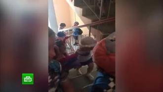 Жильцы хабаровской высотки перекрыли детсадовцам с верхнего этажа доступ к лифту