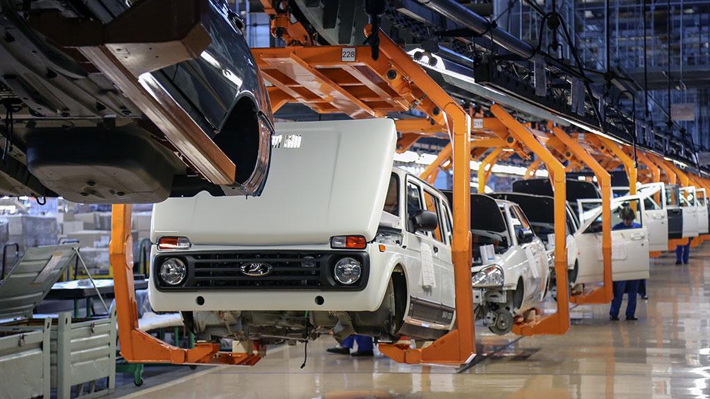 АвтоВАЗ сокращает более 7 тысяч сотрудников