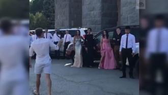 «Парад тщеславия»: выпускники МВД в Волгограде устроили пробег на элитных внедорожниках