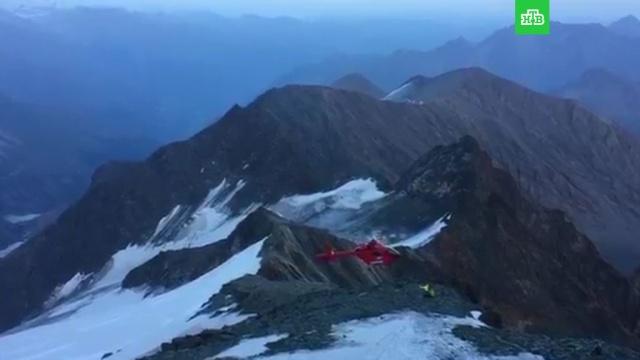 Очевидец снял крушение спасательного вертолета в Альпах: видео.Альпы, Швейцария, авиационные катастрофы и происшествия.НТВ.Ru: новости, видео, программы телеканала НТВ