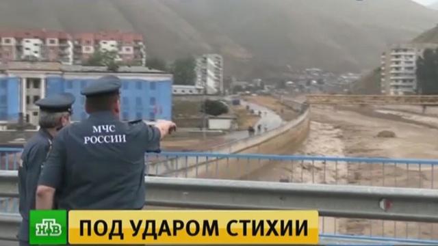 Более 400человек эвакуированы из своих домов вгороде Тырныауз врезультате повторного схода селя.Кабардино-Балкария, реки и озера.НТВ.Ru: новости, видео, программы телеканала НТВ