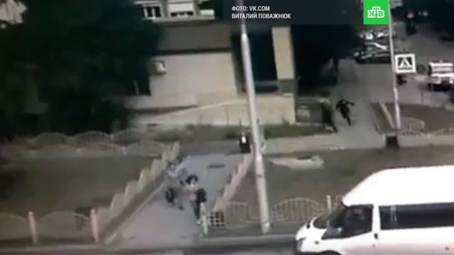 Ликвидация устроившего резню вСургуте попала на видео.Сургут, ХМАО/Югра, нападения, полиция.НТВ.Ru: новости, видео, программы телеканала НТВ