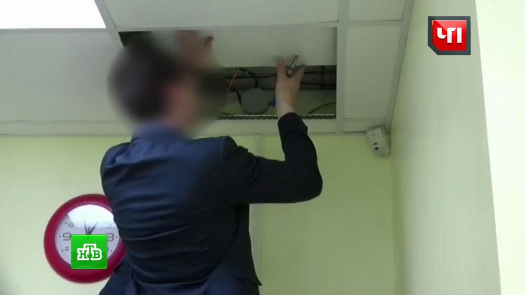 Скрытая камера в детском туалете для девочек