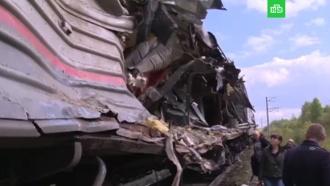 Очевидцы выложили видео сместа столкновения грузовика споездом вХМАО