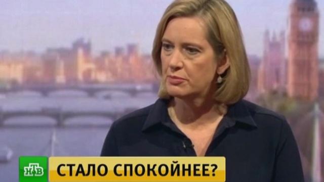ВВеликобритании уровень террористической угрозы снизили скритического до серьезного.Великобритания, Лондон, задержание, полиция, терроризм.НТВ.Ru: новости, видео, программы телеканала НТВ