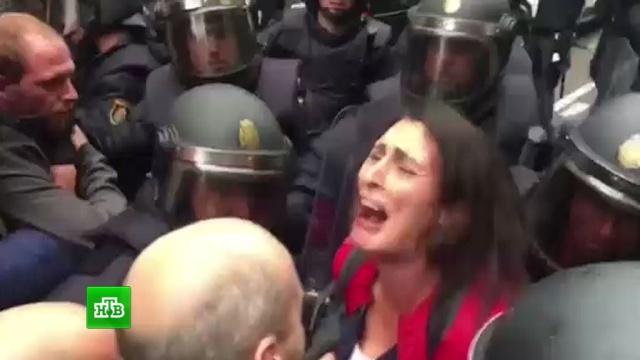 Рахой поблагодарил полицию за работу вКаталонии.Испания, Каталония, беспорядки, референдумы.НТВ.Ru: новости, видео, программы телеканала НТВ