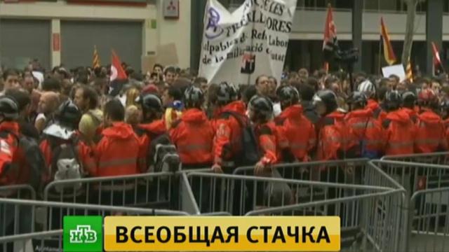 ВКаталонии началась всеобщая забастовка против полицейского произвола.Испания, Каталония, митинги и протесты, полиция.НТВ.Ru: новости, видео, программы телеканала НТВ