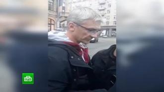 Выдворенный сУкраины репортер НТВ Вячеслав Немышев не отвечает на звонки