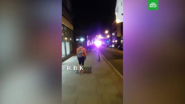 Неизвестный сножом напал на пассажиров лондонского метро: есть раненые.Великобритания, Лондон, нападения.НТВ.Ru: новости, видео, программы телеканала НТВ