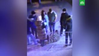 Студентки раздеваются в ночном клубе, смотреть вера фишер секс ролики