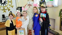 Путешествие Деда Мороза. Праздник во Владивостоке.Владивосток, дети и подростки, Новый год, НТВ, благотворительность, торжества и праздники, подарки, Дед Мороз.НТВ.Ru: новости, видео, программы телеканала НТВ