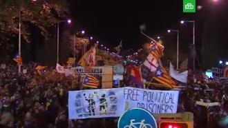 Вцентре Барселоны сотни тысяч митингующих потребовали освобождения задержанных политиков