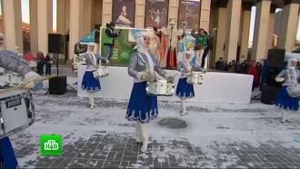 Звезды НТВ иДед Мороз исполнили желания маленьких сибиряков