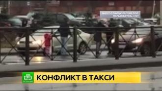 Водитель такси во Всеволожске сбил клиента из-за спора о детском кресле
