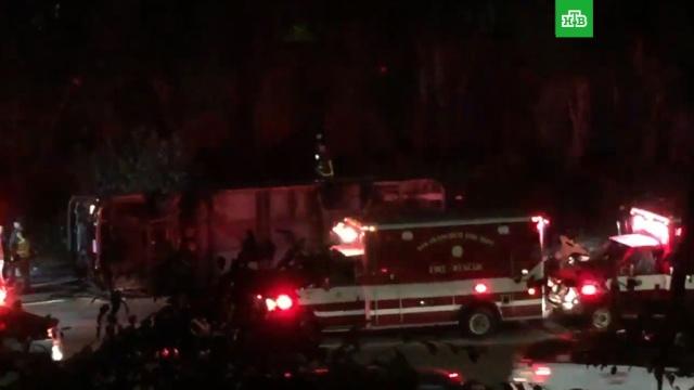 Автобус перевернулся в Сан-Франциско: почти 30 пострадавших.автобусы, ДТП, США.НТВ.Ru: новости, видео, программы телеканала НТВ