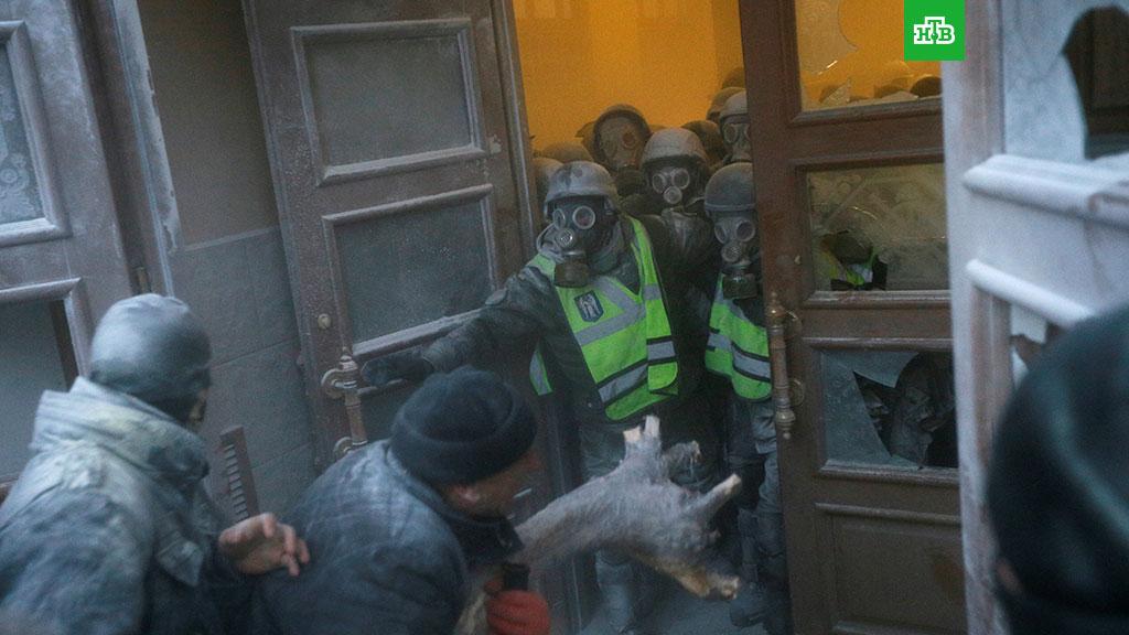 Картинки по запросу штурм октябрьского киев
