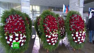 В&nbsp;&laquo;Останкино&raquo; открыт мемориал в&nbsp;память о&nbsp;погибших в&nbsp;катастрофе <nobr>Ту-154</nobr> журналистах