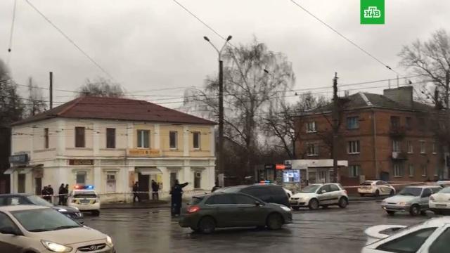 Неизвестный захватил заложников вздании почты вХарькове.Украина, заложники, почта.НТВ.Ru: новости, видео, программы телеканала НТВ