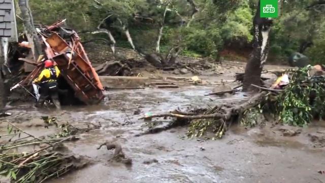 В Санта-Барбаре из-за ливней и оползней погибли не менее 13 человек.США, наводнения, оползни, погодные аномалии, стихийные бедствия.НТВ.Ru: новости, видео, программы телеканала НТВ