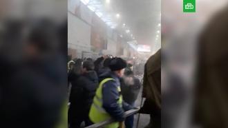 На рынке «Садовод» вспыхнул пожар: площадь возгорания увеличивается