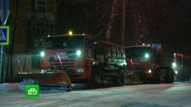 Власти Москвы призвали отказаться от поездок на авто по заснеженным дорогам.Москва, автомобили, зима, погода, пробки, снег.НТВ.Ru: новости, видео, программы телеканала НТВ