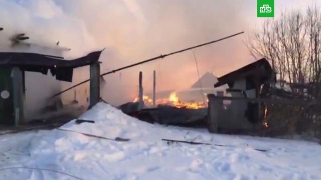 Дом, ранее принадлежавший семье Ельцина, сгорел на Урале.НТВ.Ru: новости, видео, программы телеканала НТВ