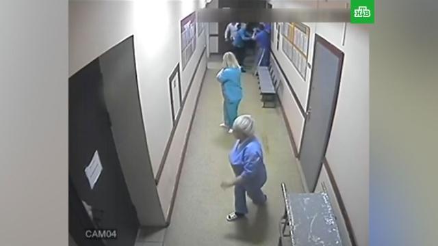 Липецкие подростки проломили голову врачу, лечившему их товарища.алкоголь, врачи, драки и избиения, Липецкая область.НТВ.Ru: новости, видео, программы телеканала НТВ