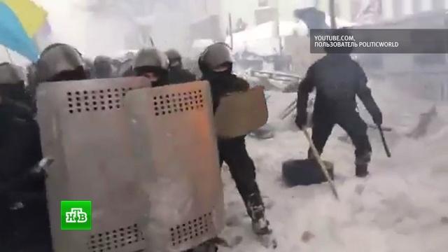 Штурм палаточного городка уРады попал на видео.Киев, Украина, беспорядки, задержание, митинги и протесты, полиция.НТВ.Ru: новости, видео, программы телеканала НТВ