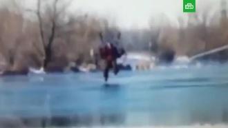 ВСети появилось видео гибели парапланериста возере под Оренбургом