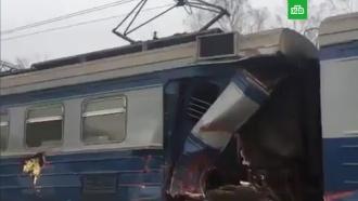 Трактор столкнулся с электричкой на северо-востоке Москвы