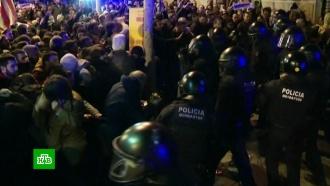 ВБарселоне при столкновениях сполицией пострадали более 20человек