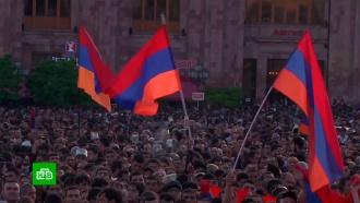 Вице-премьер и глава МИД Армении приехали на переговоры в Москву