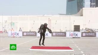 ВДубае британец испытал новый реактивный костюм иустановил рекорд