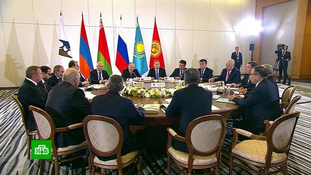 ВСочи лидеры стран ЕАЭС проводят переговоры вузком составе.Армения, Назарбаев, Казахстан, Путин, Киргизия, Лукашенко, Белоруссия.НТВ.Ru: новости, видео, программы телеканала НТВ