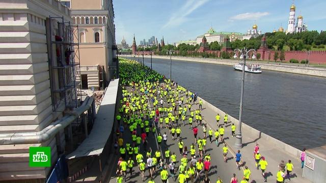Десятки тысяч человек приняли участие в акции помощи детям с аутизмом.Москва, благотворительность, дети и подростки, марафоны.НТВ.Ru: новости, видео, программы телеканала НТВ