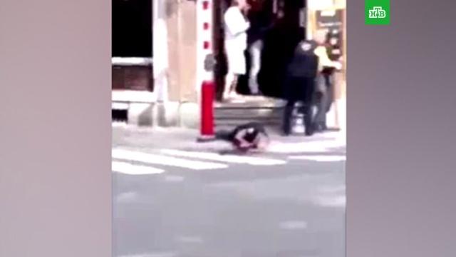 Вбельгийском Льеже неизвестный убил двух полицейских ипопытался взять заложников.Бельгия, полиция, стрельба.НТВ.Ru: новости, видео, программы телеканала НТВ